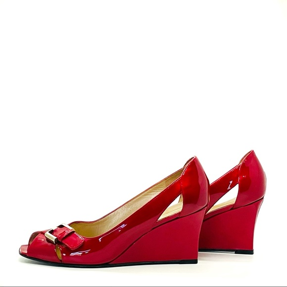 Stuart Weizmann Red Wedges